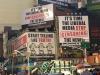 """New Times Square Plakatwände für die Medien """"Fangt an Wahrheit zu sagen – Hört auf mit der Nachrichtenzensur"""""""