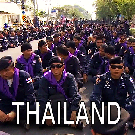 thai-police-stand-down