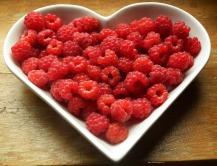 raspberries-215858_1280