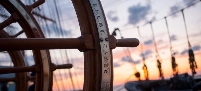 ship-helm-759954_1920-e1439300729661